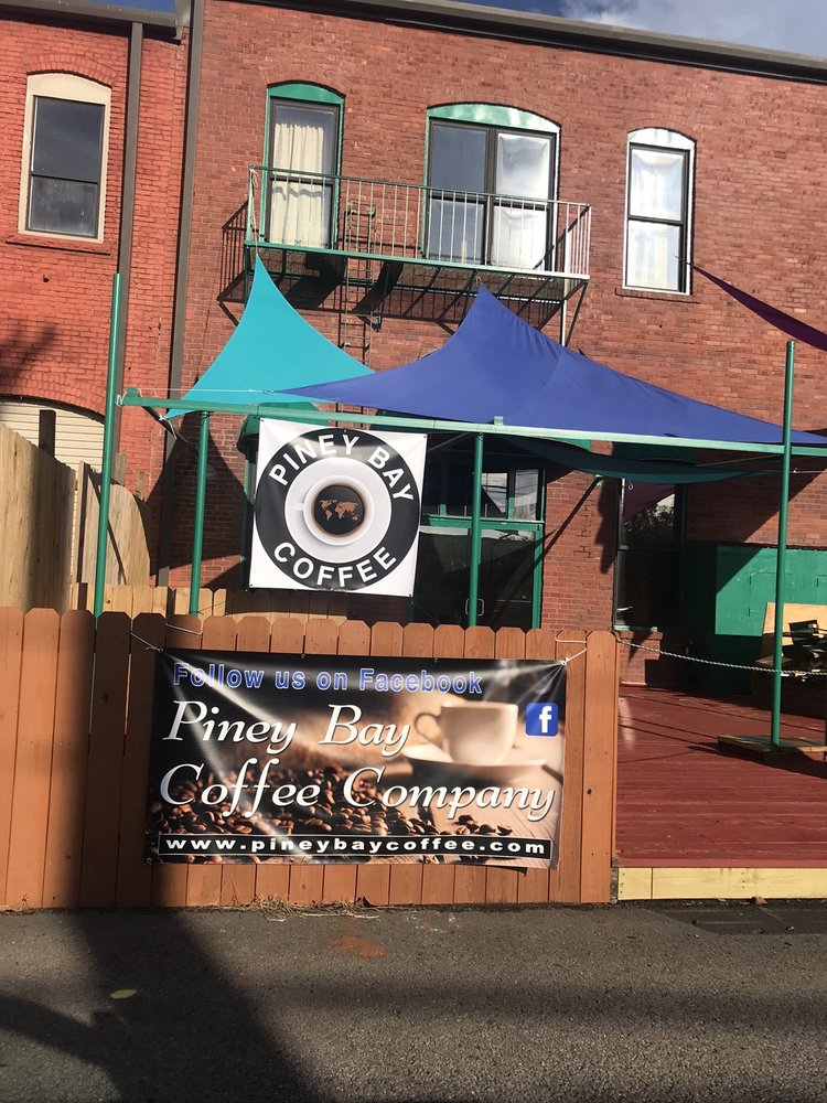 Piney Bay Coffee: 117 South College Ave, Clarksville, AR