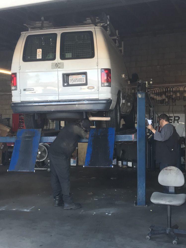 Auto Techniks: 3932 Sierra Hwy, Acton, CA
