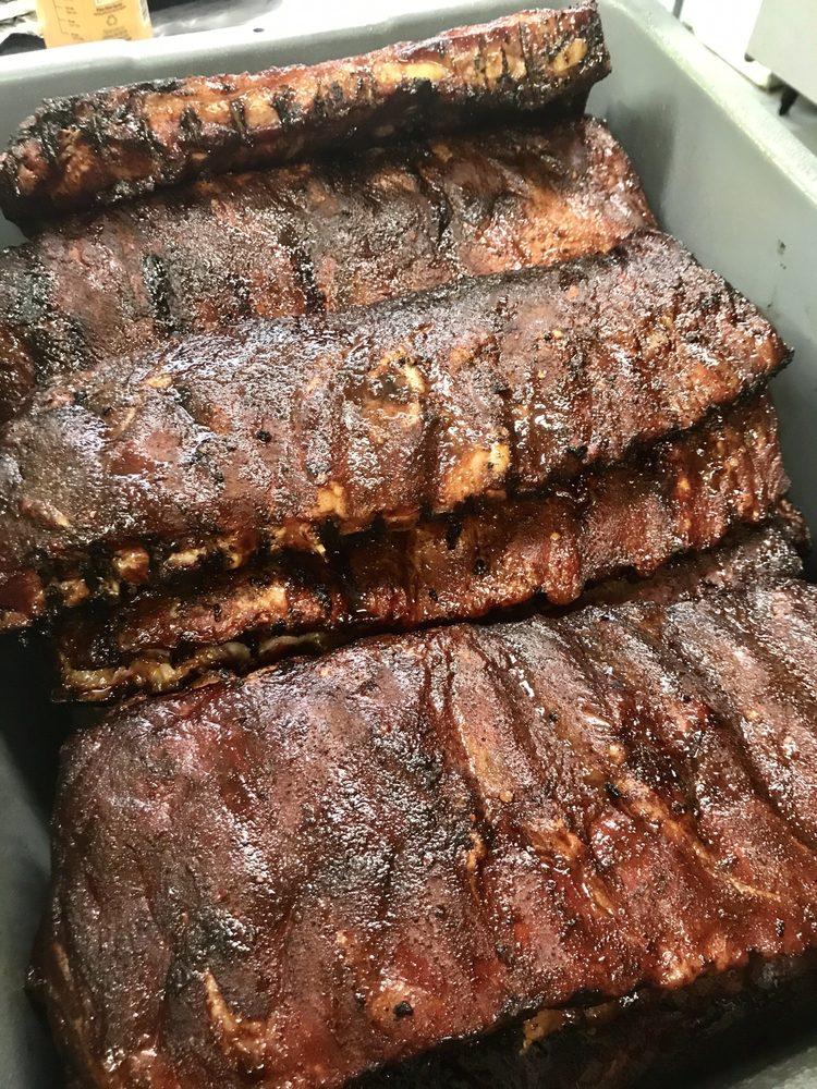 FroSmokes Meatery: 112 Marina Dr, Lacon, IL