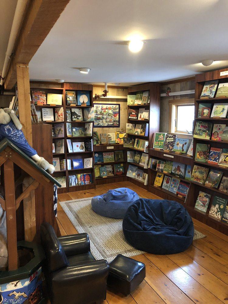 Owl & Turtle Bookshop Café: 33 Bay View St, Camden, ME