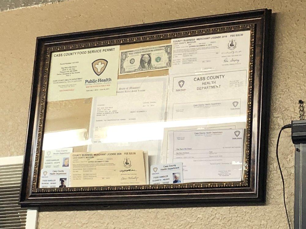 Ray Rae's Rib Shack: 20301 S State Rt 291, Pleasant Hill, MO