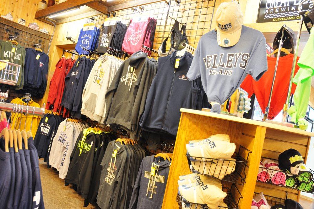 Kelleys Island General Store: 118 Division St, Sandusky, OH
