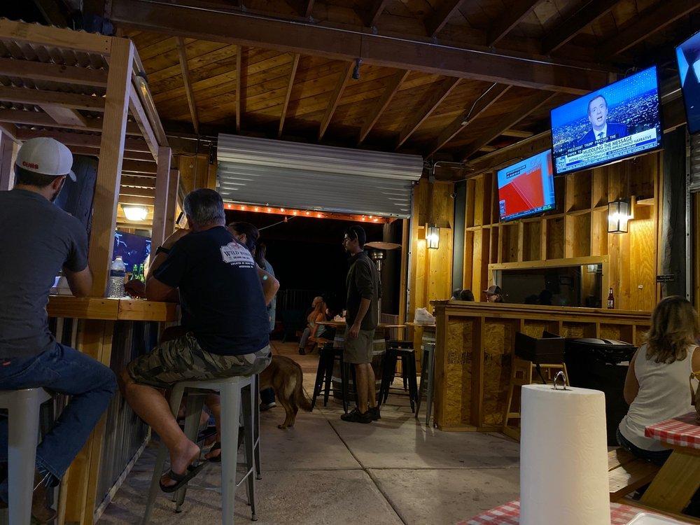 Blackhawk Bbq and Coffee Shop: 16461 S Houghton Rd, Vail, AZ