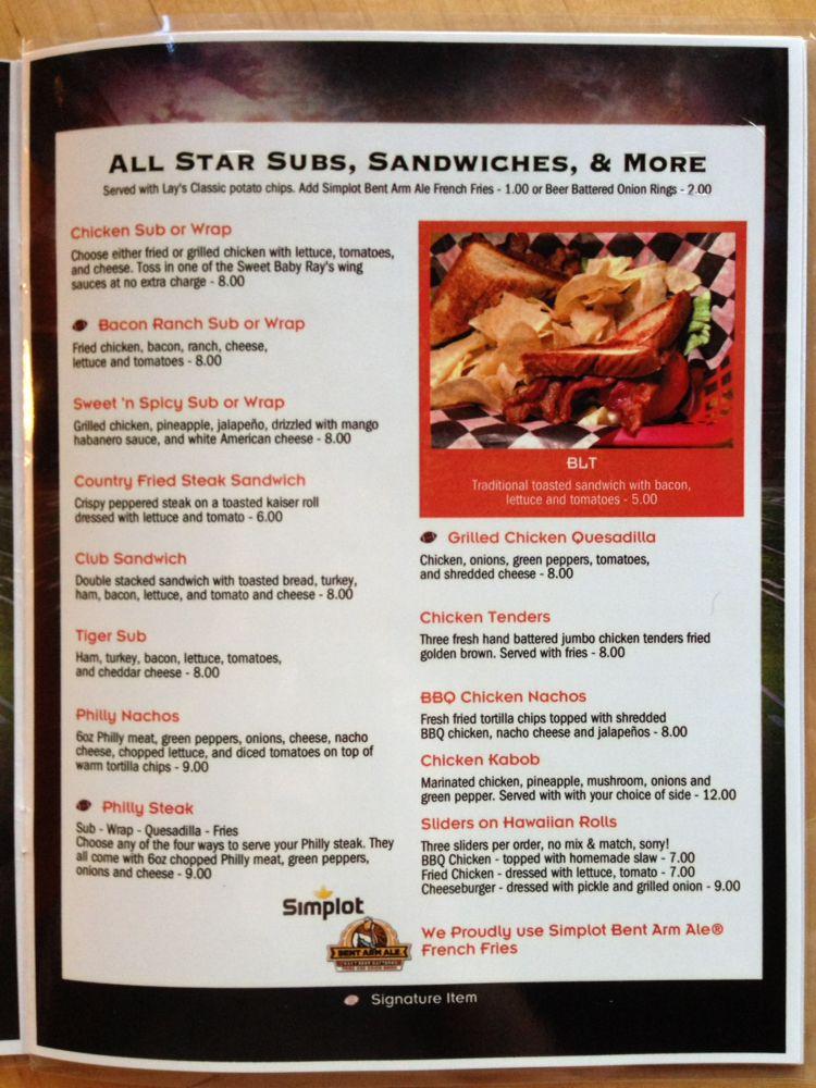 Skybox Sports Grill Pizzeria: 127 City Market Dr, Saltillo, MS