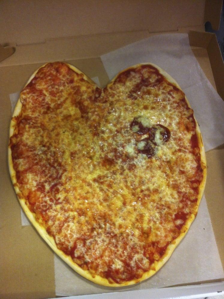 Falafelo's Pizza & Deli: 2508 37th Ave, Long Island City, NY