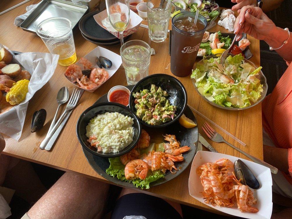 Shrimp's On The Lake: 907 Cr Rd 439B, Lake Panasoffkee, FL