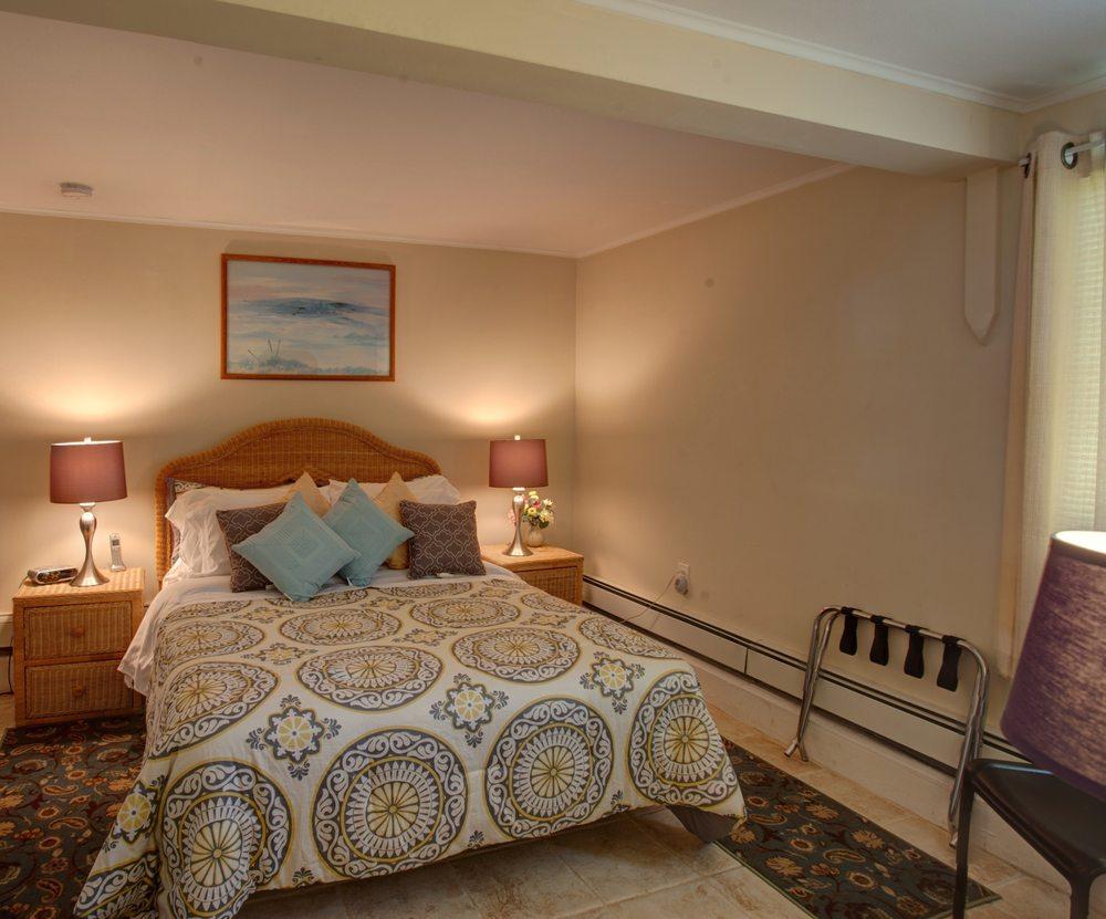 Westhampton Motel Hotels 19 Seabreeze Ave Ny Phone Number Yelp