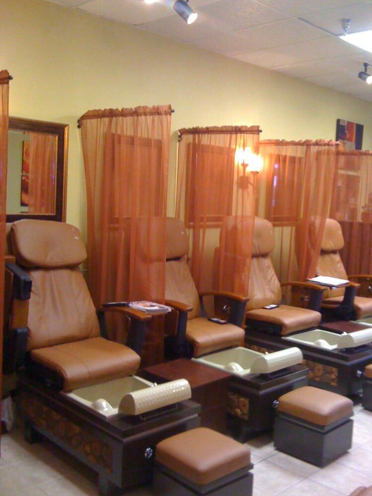 Elegant Nails: 2225 Hwy 15 N, Laurel, MS