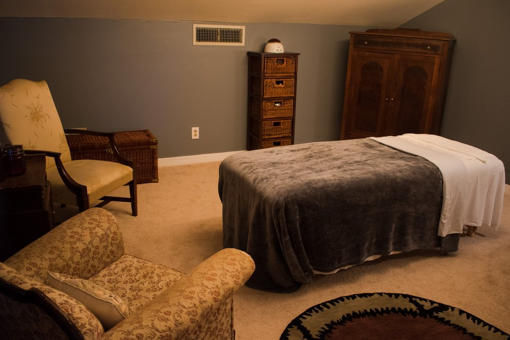 RIVERWOOD Massage and Facial Spa: 407 N Ennis St, Fuquay Varina, NC