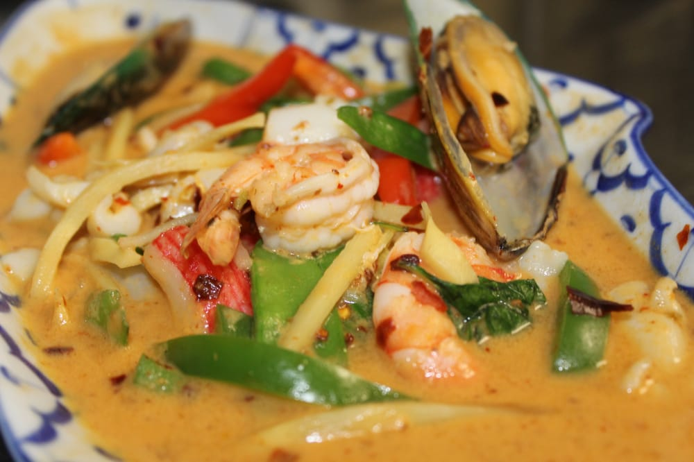 Thai Basil II: 1700 W Bay Dr, Largo, FL