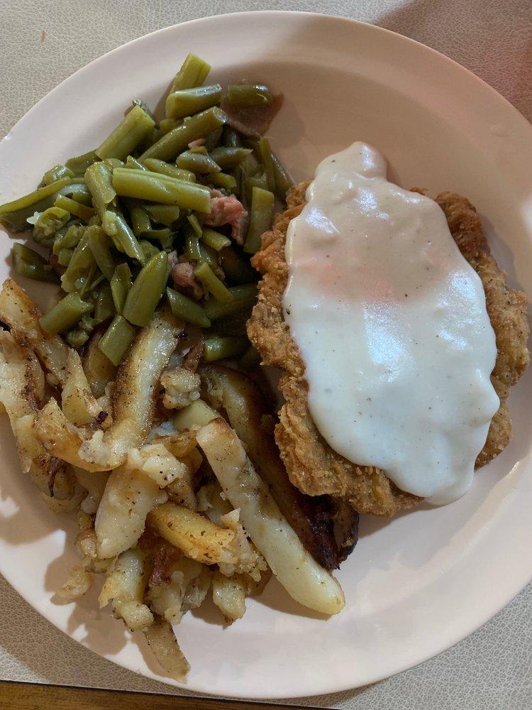 Lucky's Cafe: 310 E 5th Ave, Pine Bluff, AR