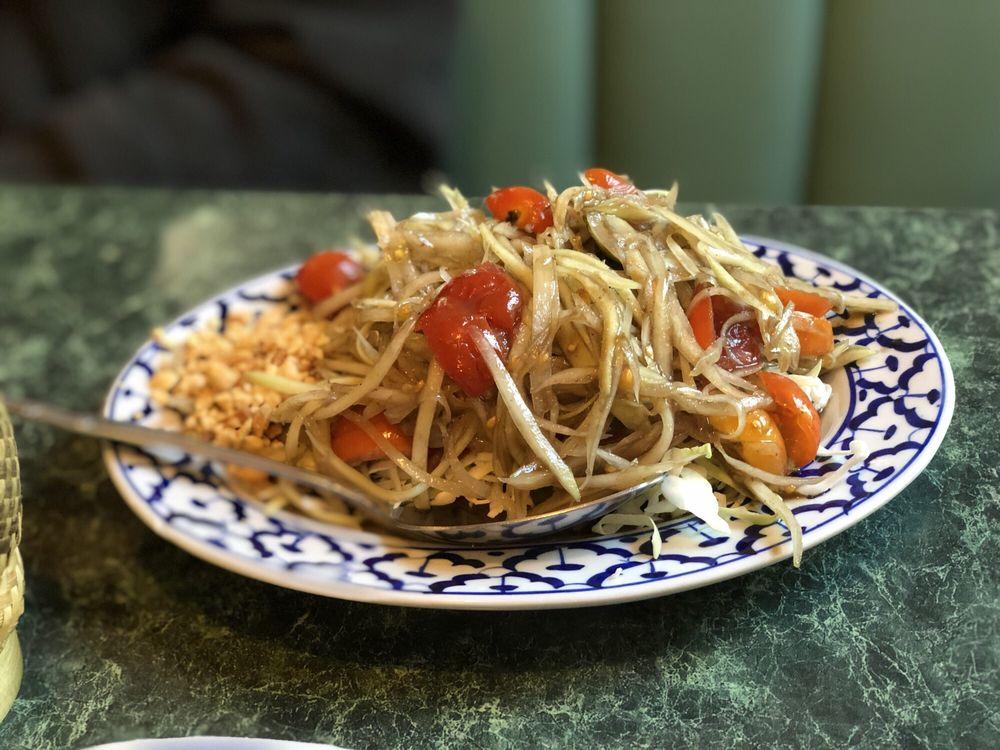 Phuket Thai Cafe: 1328 S Mt Shasta Blvd, Mount Shasta, CA