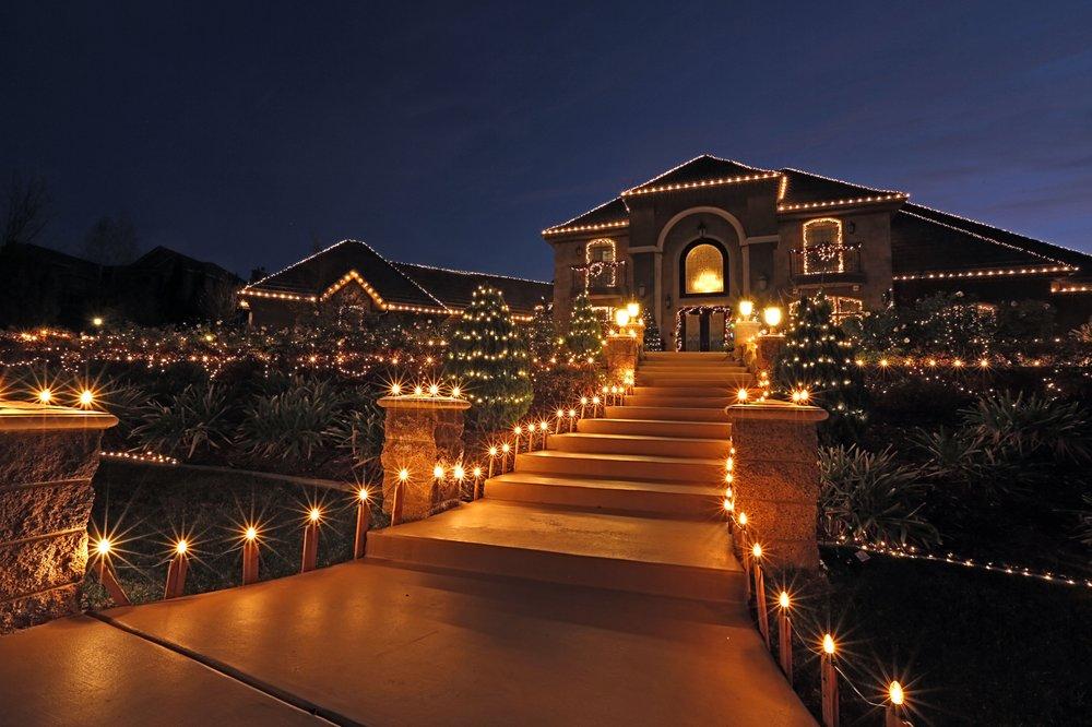 Christmas Lighting by Drakes: 6534 Etiwanda Ave, Jurupa Valley, CA