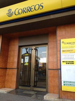 Oficina de correos uffici postali carrer gran via de for Oficina correos barcelona