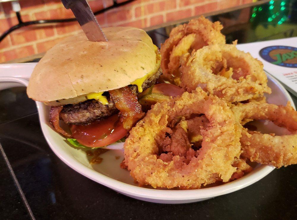 Jaxx Gourmet Burgers: 10 Clarksville St, Paris, TX
