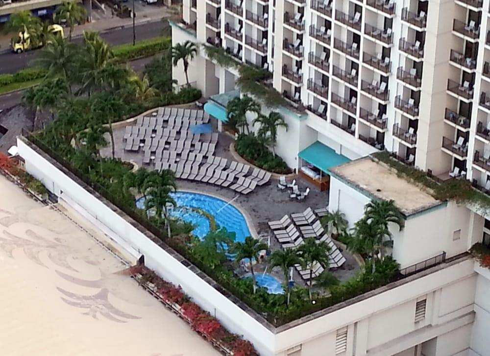 "Hilton Hawaiian Village Waikiki Beach Photo Gallery: Kalia Tower Pool; That Is NOT A ""dramatic Infinity Pool"