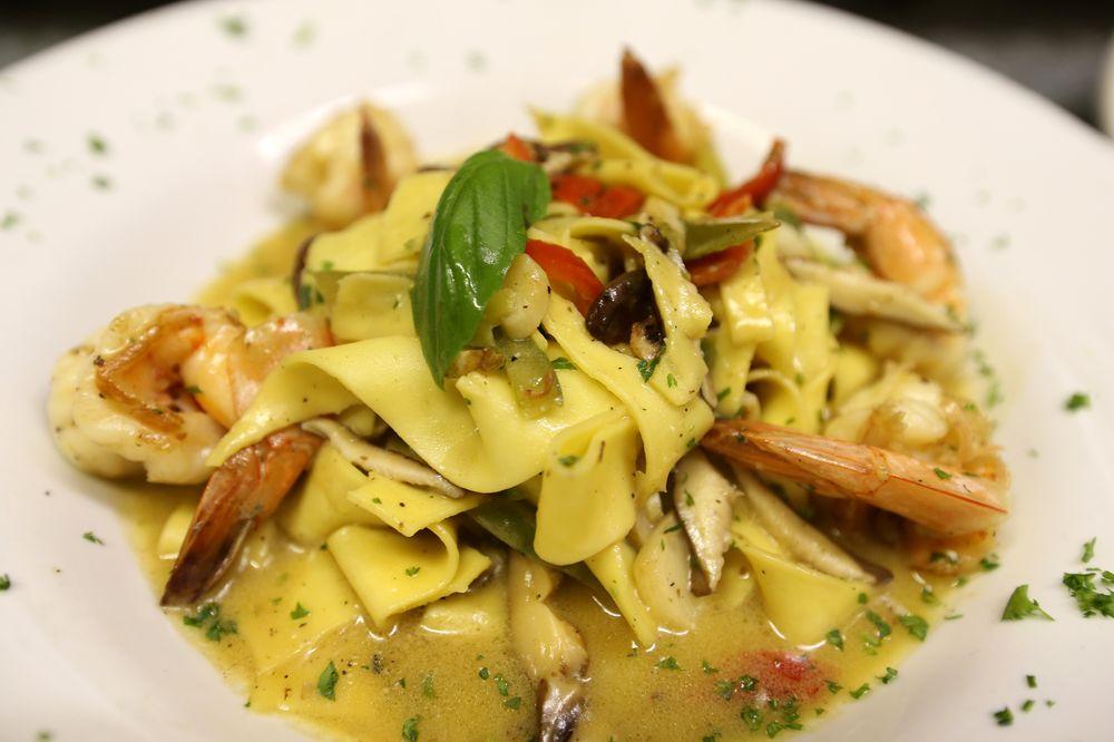 Gran Paradiso Restaurant: 4335 Austin Blvd, Island Park, NY