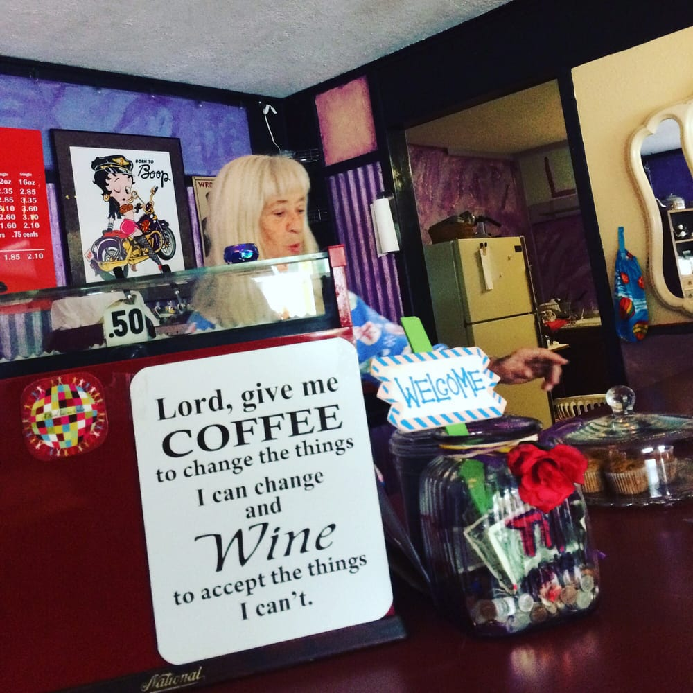 Betty May's Coffee and Things: Wind River Hwy, Carson, WA