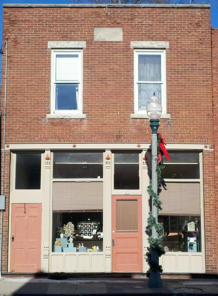 Susan Wyke Frost: 114 W 3rd St, Brookston, IN