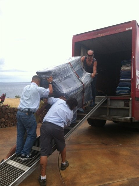 Two Movers with Equipment: 16-578 Old Volcano Rd, Keaau, HI