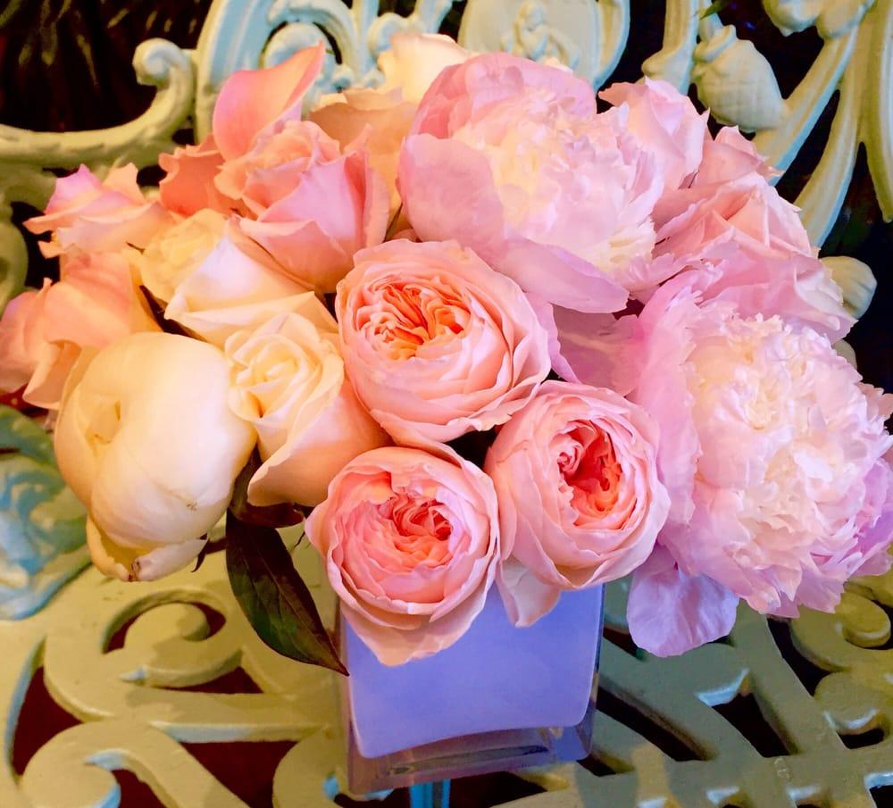 Mrs. DeHavens Flower Shop