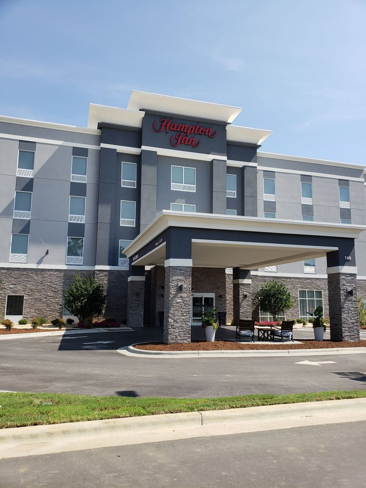 Hampton Inn by Hilton: 100 Water Place Lndg, Benson, NC