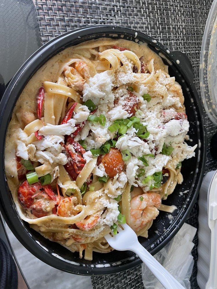 Catch 22 Southern Seafood Market & Restaurant: 7623 S Osborne Rd, Upper Marlboro, MD