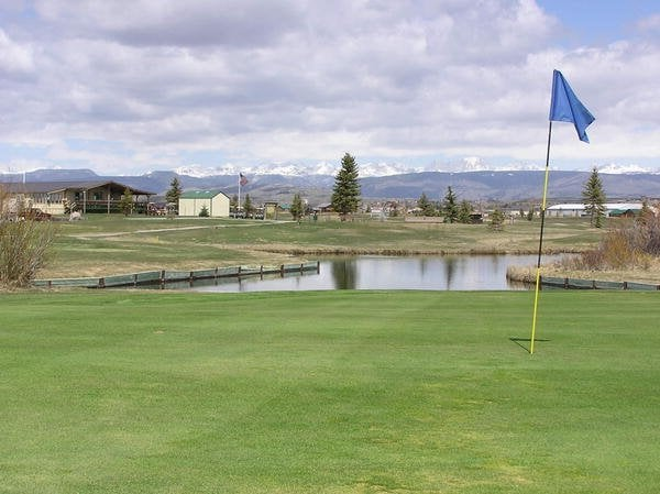 Rendezvous Meadows Golf Course: 55 Clubhouse Dr, Pinedale, WY