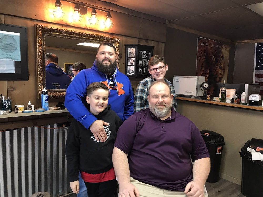 Stafford's Barber Shop and Shave: 122 US 65 Business, Branson, MO