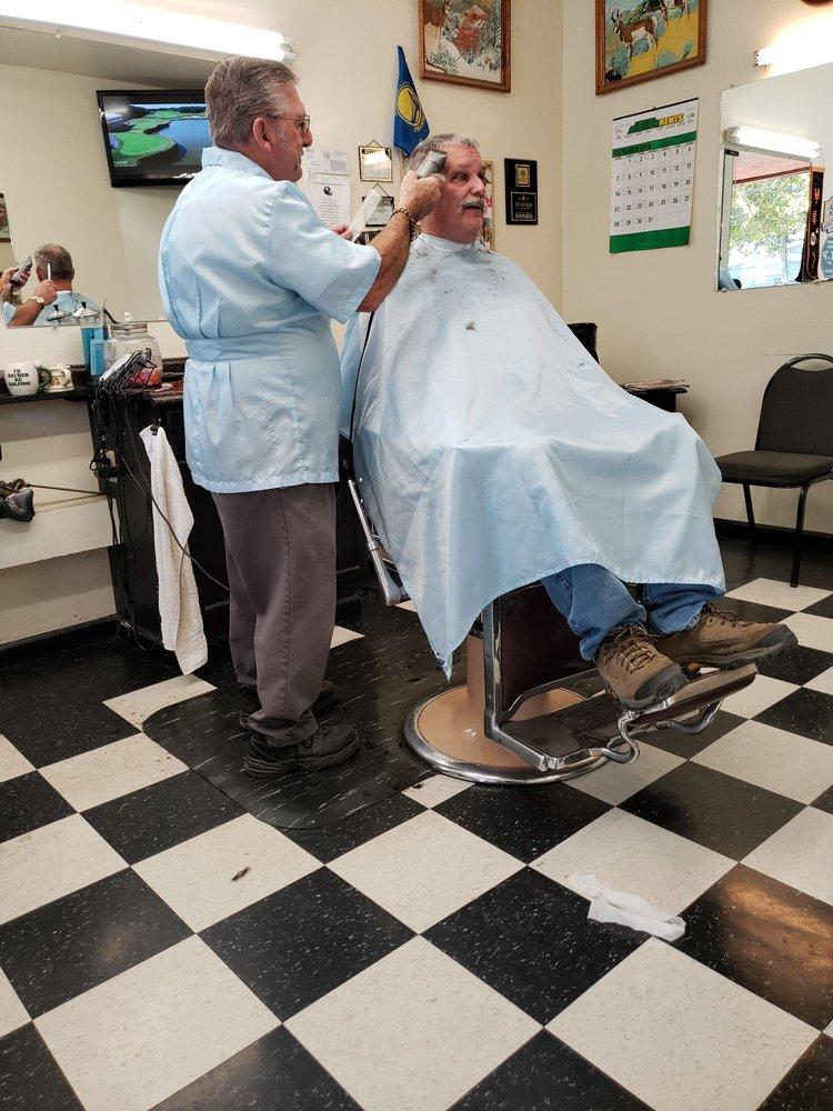 Wirts Barber Shop: 108 N Cloverdale Blvd, Cloverdale, CA