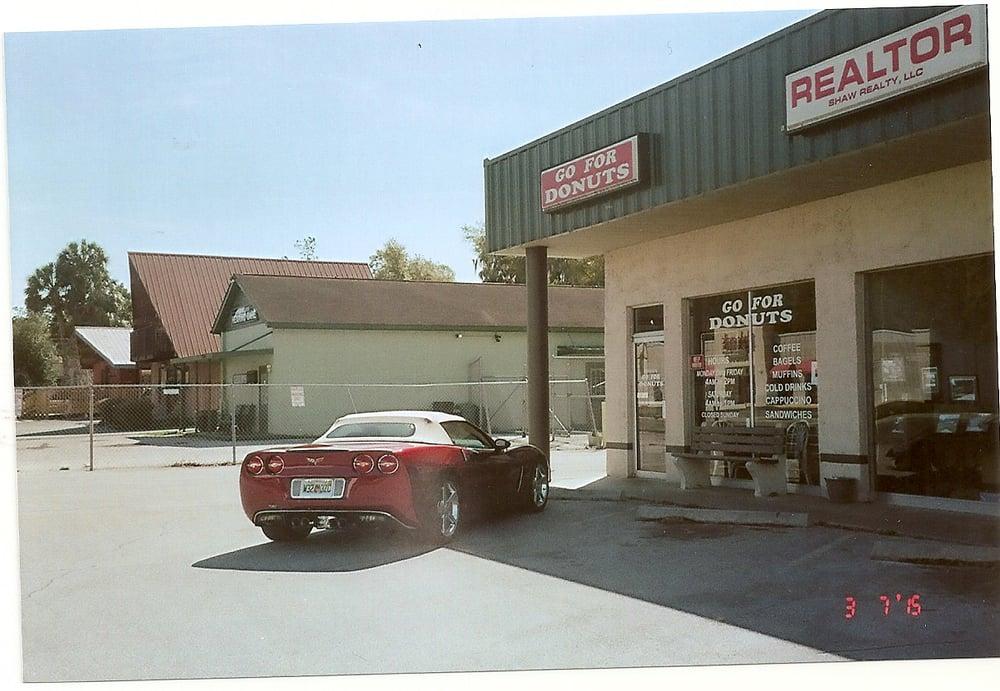Go For Donuts: 20372 E Pennsylvania Ave, Dunnellon, FL