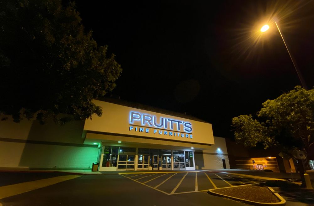 Pruitt's Furniture: 7550 AZ-69, Prescott Valley, AZ