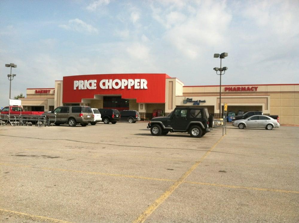Price Chopper: 1400 W Amity St, Louisburg, KS