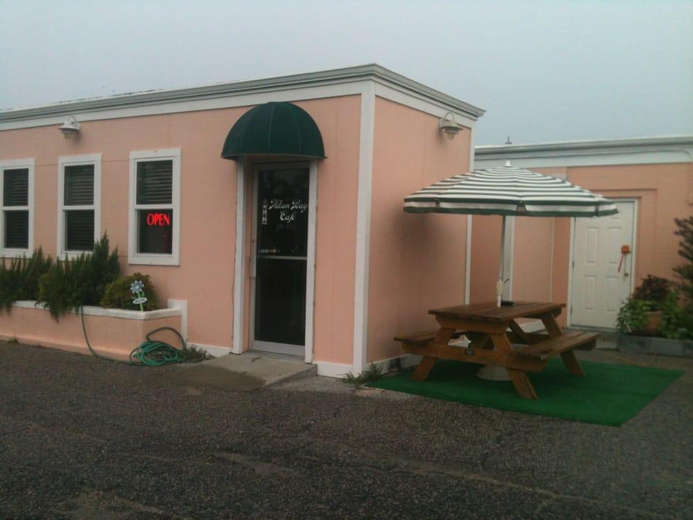 Nelson Bay Cafe: 600-678 Seashore Dr, Sealevel, NC
