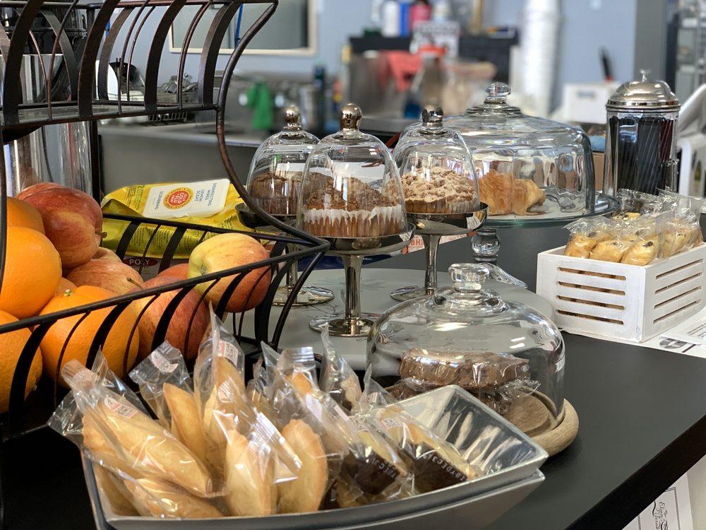 Chemn Cafe: 114 N Main St, Elgin, TX