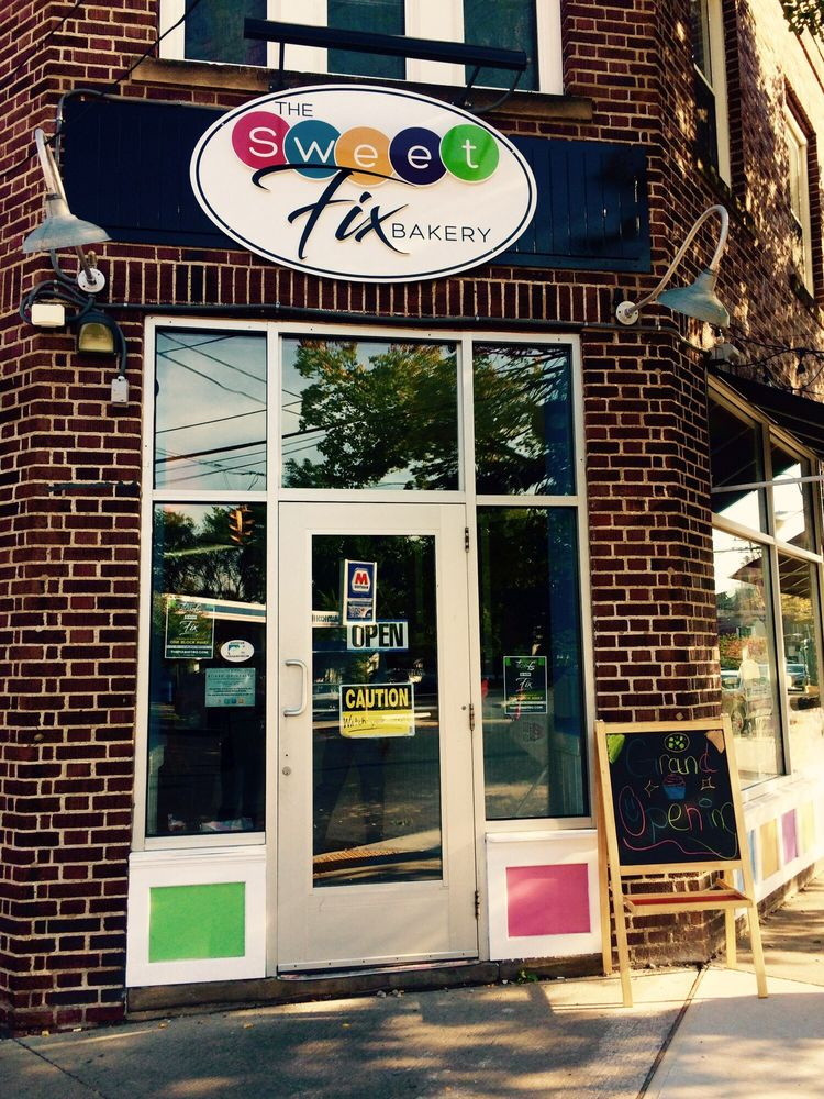 The Sweet Fix Bakery: 2307 Lee Rd, Cleveland Heights, OH