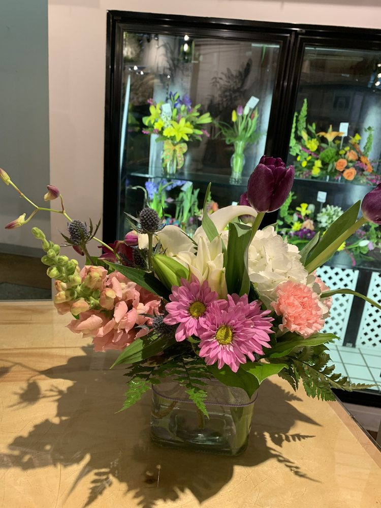 Something New Florist: 4500 Boardman Canfield Rd, Canfield, OH