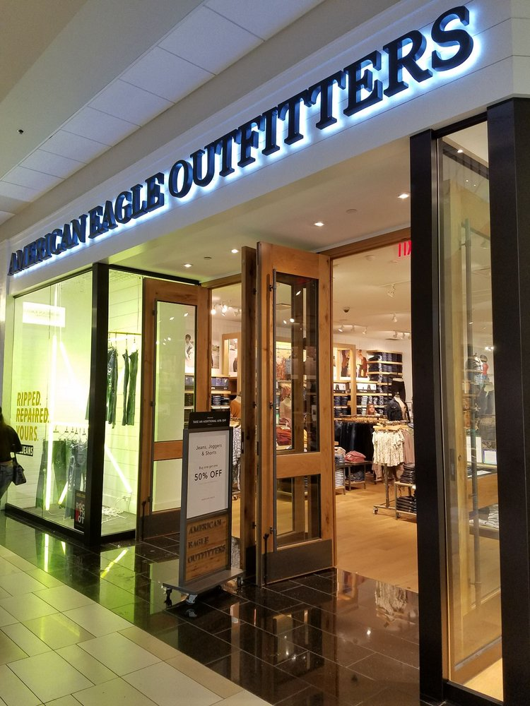 American Eagle Outfitters: 1 Crossgates Mall Rd, Albany, NY