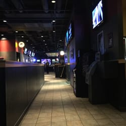 Buffalo Wild Wings - CLOSED - 27 Photos & 24 Reviews - Sports Bars