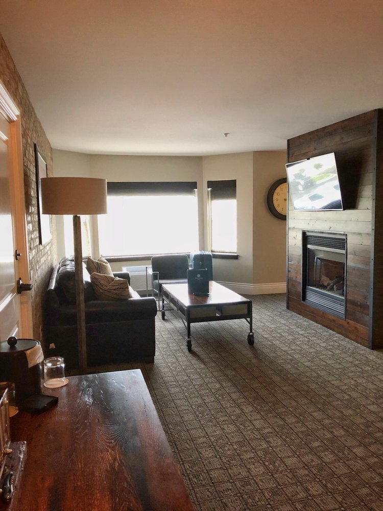 Ironworks Hotel: 500 Pleasant St, Beloit, WI