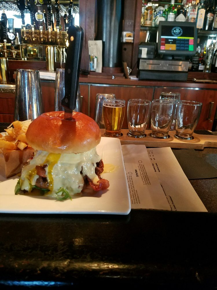 Food from 10 East Kitchen & Taphouse