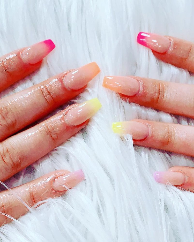 Gallery Nails & Spa: 617 Hungerford Dr, Rockville, MD