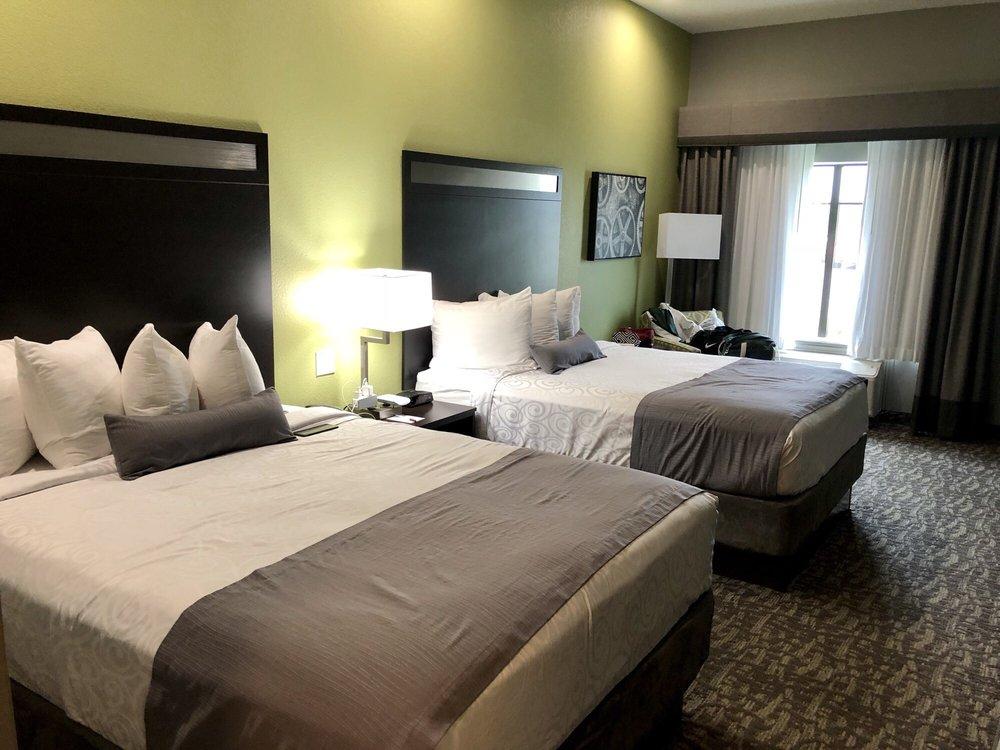 Best Western Plus Bay City Inn & Suites: 501 7th St, Bay City, TX