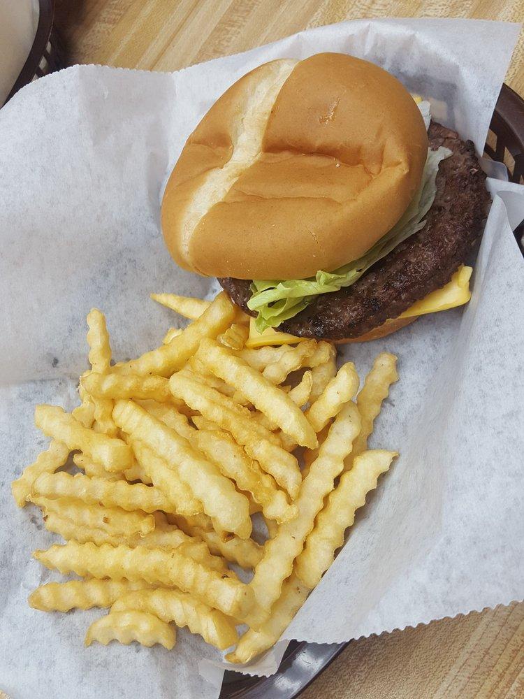 Iowa's Best Burger Cafe: 1570 Iowa 224, Kellogg, IA