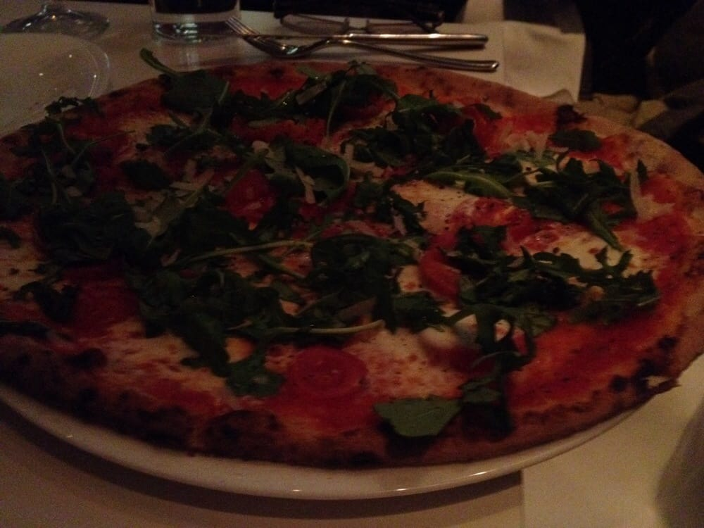Pizza with arugula and tomato yelp for Pizzeria il tocco