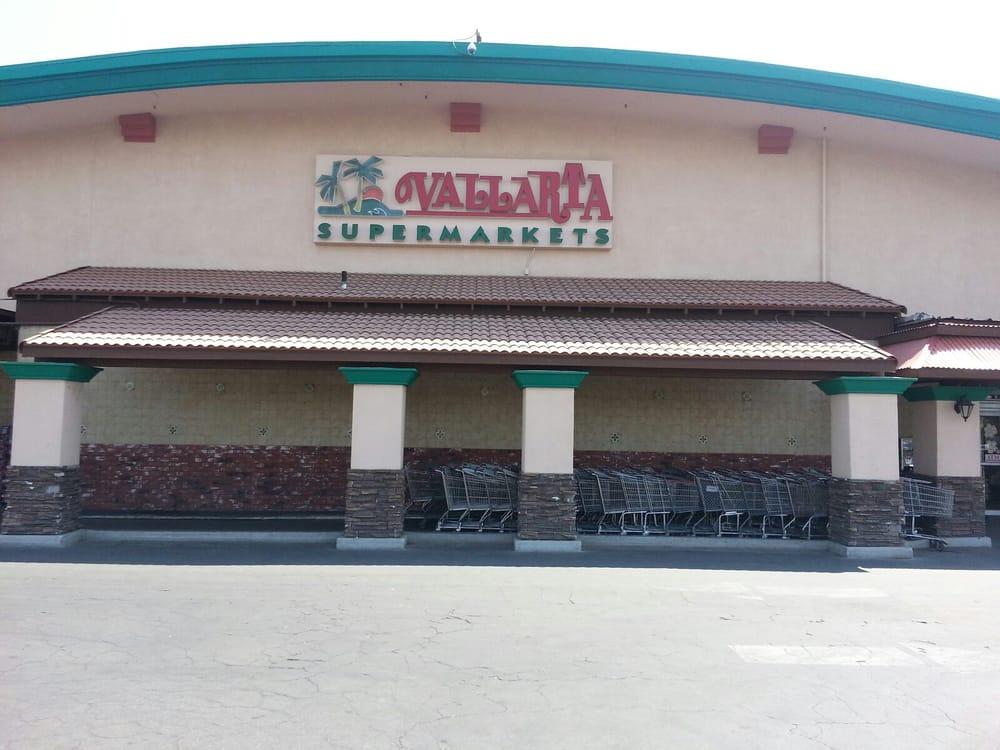 Vallarta Supermarkets: 820 Main St, Delano, CA