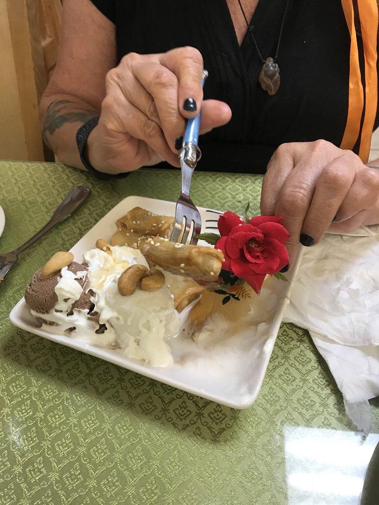 Aranya Thai Restaurant: 1013 E Polk St, Burnet, TX