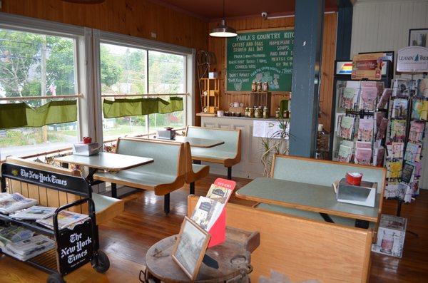 Paula S Country Kitchen Delis 1636 Burden Lake Rd