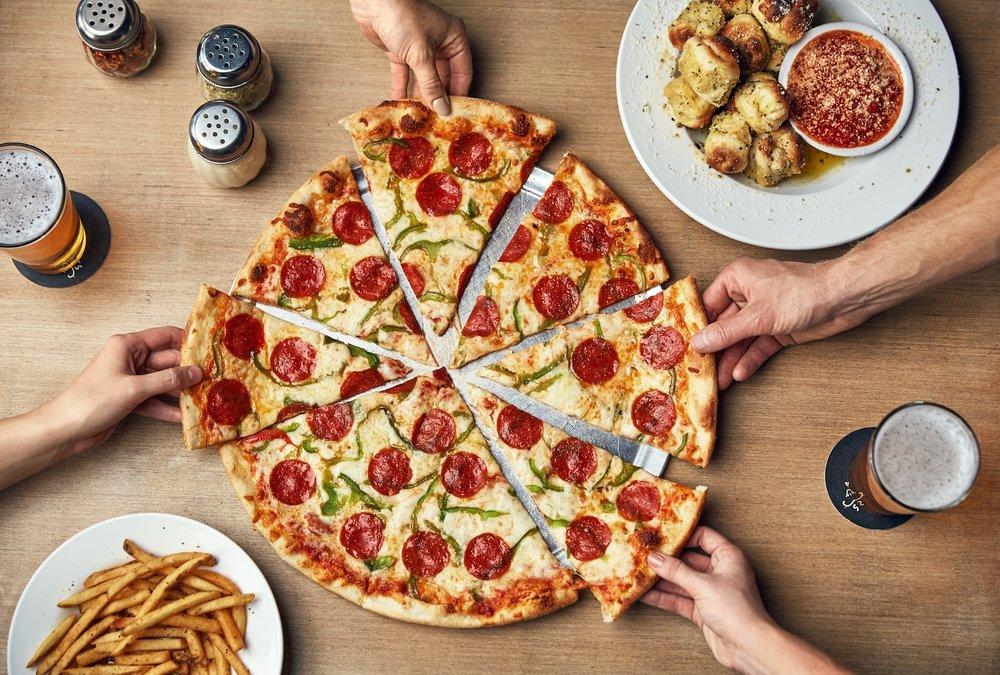 Johnny's New York Style Pizza: 834 Virginia Ave, Hapeville, GA
