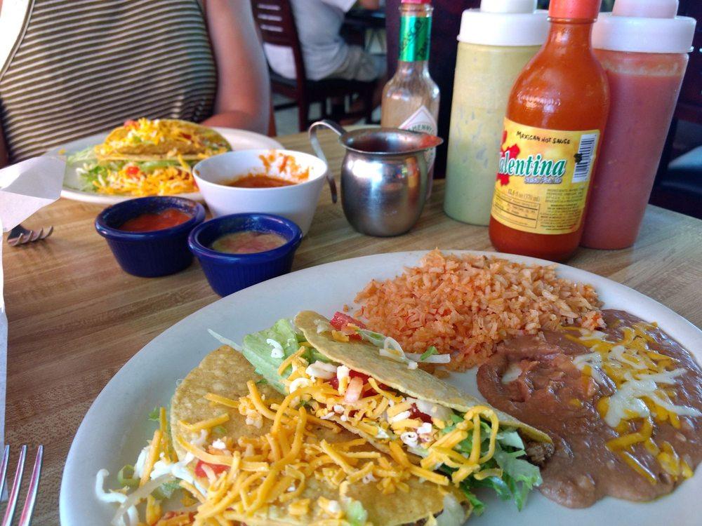 Los Verdes Restaurante Mexicano: 403 S Ave G, Clifton, TX